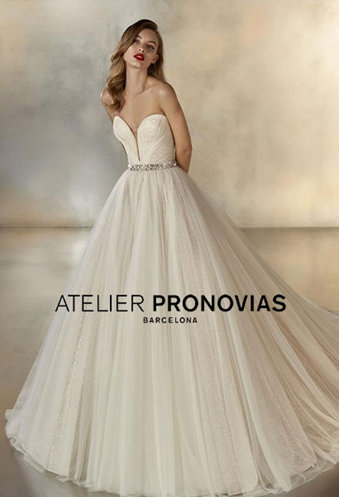bride wearing atelier pronovias wedding dress